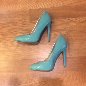 Quipid Mint Green perforated Patent Leather Pumps